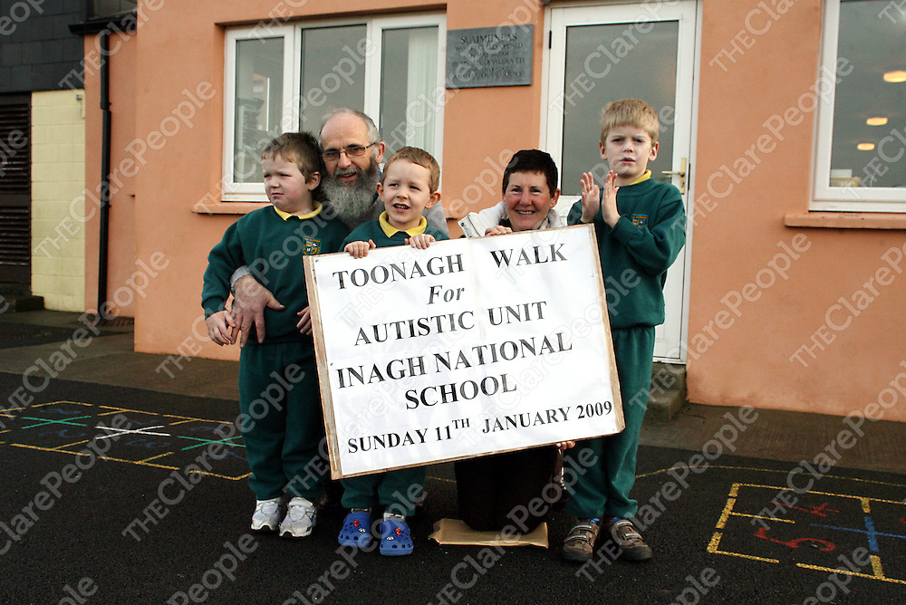 Brendan and Breda McCullagh with students from Inagh National School getting ready for the annual Toonagh walk on the 11th of January in aid of the schools Autistic Unit.<br /> Photograph by Yvonne Vaughan