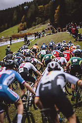 10.10.2020, Asitz, Leogang, AUT, UCI Mountain Bike WM 2020, Saalfelden Leogang, Cross Country, Herren, im Bild Feature Start // Feature Start during the men Cross Country competition of the UCI Mountain Bike World Championships 2020 in Asitz in Leogang, Austria on 2020/10/10. EXPA Pictures © 2020, PhotoCredit: EXPA/ JFK
