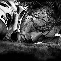 Tour de France 1989<br /> Gert-Jan Theunisse, de nederlandse wielrenner,  in de bolletjestrui na valpartij. Theunisse wint het bergklassement in de Tour van 1989.<br /> Foto : Klaas Jan van der Weij