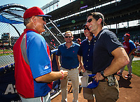 HOF Ryne Sandberg and US Congressman Paul Ryan meet at batting practice.