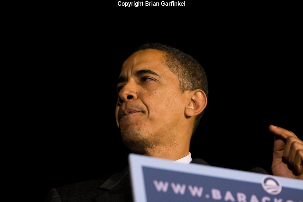 Philadelphia, PA - Senator Barack Obama speaks at Independence Mall in Philadelphia days before the Pennsylvania Primary