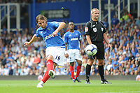 Fotball<br /> England<br /> Foto: Fotosports/Digitalsport<br /> NORWAY ONLY<br /> <br /> Niko Kranjcar (Portsmouth) takes a free kick <br /> <br /> 15.08.09 Portsmouth v Fulham Barclays Premier League Fratton Park