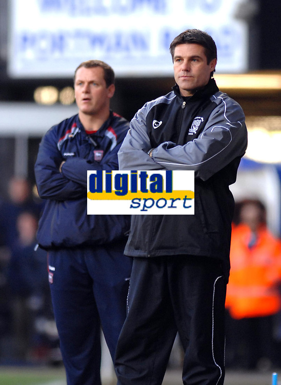 Photo: Ashley Pickering.<br />Ipswich Town v Southend United. Coca Cola Championship. 10/03/2007.<br />Southend manager Steve Tilson (R) and Ipswich manager Jim Magilton watch play from the sidelines