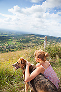 Promenade en famille Mont Myon, Ain. // Family hiking with dog on Mont Myon, Ain, France