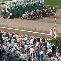 (PPAGE1) Oceanport 5/14/2005 The start of the 4th race of opening day at Monmouth Park.     Michael J. Treola Staff Photographer....MJT