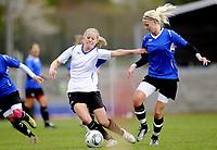 Fotball<br /> Norge<br /> 04.05.2011<br /> Foto: Morten Olsen, Digitalsport<br /> <br /> Trening Norge A kvinner<br /> Nadderud Stadion<br /> Internkamp - Norge Blå mot Norge Hvit<br /> <br /> Cecilie Pedersen (B)<br /> Marita Skammelsrud Lund (W)
