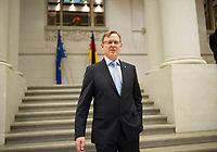 DEU, Deutschland, Germany, Berlin, 11.12.2014: Der Ministerpräsident von Thüringen, Bodo Ramelow (Die Linke), nach einem Pressestatement zur heutigen Ministerpräsidentenkonferenz (MPK) im Bundesrat.