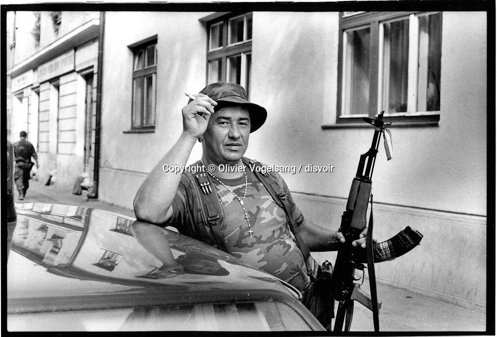Croatie. Sisak. Soldat à la pause.
