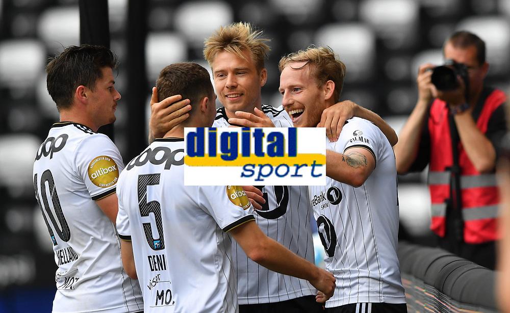 Fotball Menn Eliteserien Rosenborg-Tromsø<br /> Lerkendal Stadion,Trondheim<br /> 10 august 2019<br /> <br /> Gjermund Åsen (H) har scoret 5-2 for Rosenborg pg blir gratulert av Pål Andre Helland (V), Djordje Denic (5) og Alexander Søderlund<br /> <br /> <br /> <br /> Foto : Arve Johnsen, Digitalsport