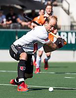AMSTELVEEN  - Hockey -  1e wedstrijd halve finale Play Offs dames.  Amsterdam-Bloemendaal (5-5), Bl'daal wint na shoot outs.  Billy Bakker (A'dam)     COPYRIGHT KOEN SUYK