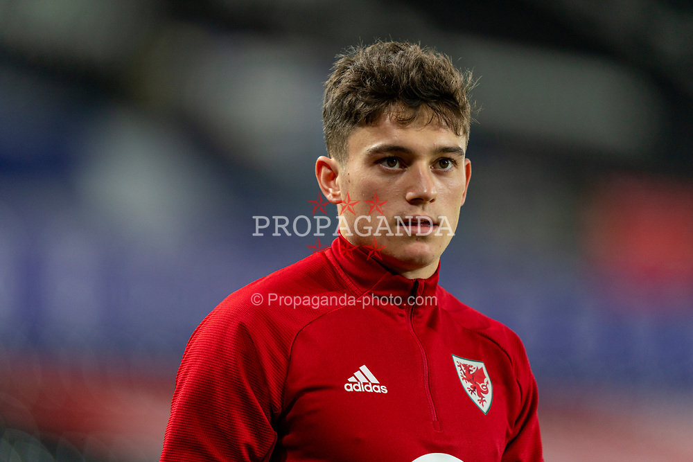 SWANSEA, WALES - Thursday, November 12, 2020: Wales' Daniel James during the pre-match warm-up before an International Friendly match between Wales and the USA at the Liberty Stadium. (Pic by David Rawcliffe/Propaganda)