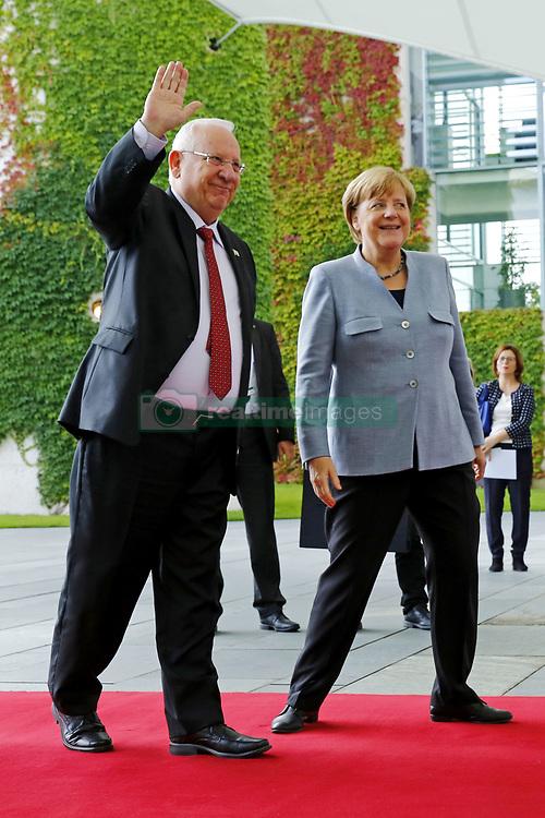 September 7, 2017 - Berlin, Germany - Bundeskanzlerin Angela Merkel begruesst am 7. September 2017 den israelischen Staatspraesidenten Reuven Rivlin im Bundeskanzleramt Berlin. Bei einem gemeinsamen Gespraech werden insbesondere die bilateralen Beziehungen, die aktuelle Lage in Israel, der Nahostkonflikt sowie die Krisen in der Region eroertert. | German Chancellor Angela Merkel welcomes Reuven Rivlin, President of Israel on 7 September 2017at the Federal Chancellery in Berlin. In a joint meeting, bilateral relations, the current situation in Israel, the Middle East conflict and the crises in the region will be discussed..Credit: A.v.Stocki/face to face (Credit Image: © face to face via ZUMA Press)