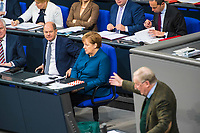 DEU, Deutschland, Germany, Berlin, 21.11.2018: Bundesfinanzminister Olaf Scholz (SPD), Bundeskanzlerin Dr. Angela Merkel (CDU), und der Vorsitzende der AfD-Bundestagsfraktion, Alexander Gauland, während einer Plenarsitzung im Deutschen Bundestag.