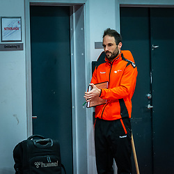 Coach Emmanuel Mayonnade of Netherlands before the Women's EHF Euro 2020 match between Netherlands and Germany at Sydbank Arena on december 14, 2020 in Kolding, Denmark (Photo by RHF Agency/Ronald Hoogendoorn)