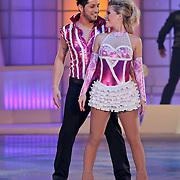 NLD/Hilversum/20110211 - 3de Liveshow SBS Sterren Dansen op het IJs 2011, Jody Bernal en danspartner Kristen Treni