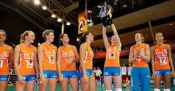 18-09-2011 VOLLEYBAL: DELA TROPHY NEDERLAND - TURKIJE: ALMERE<br /> Nederland wint met 3-0 van Turkije en wint hierdoor de DELA Trophy / Judith Pietersen, Ingrid Visser, Francien Huurman, Myrthe Schoot, Lonneke Sloetjes, Chaine Staelens, Captain Manon Flier<br /> ©2011-FotoHoogendoorn.nl