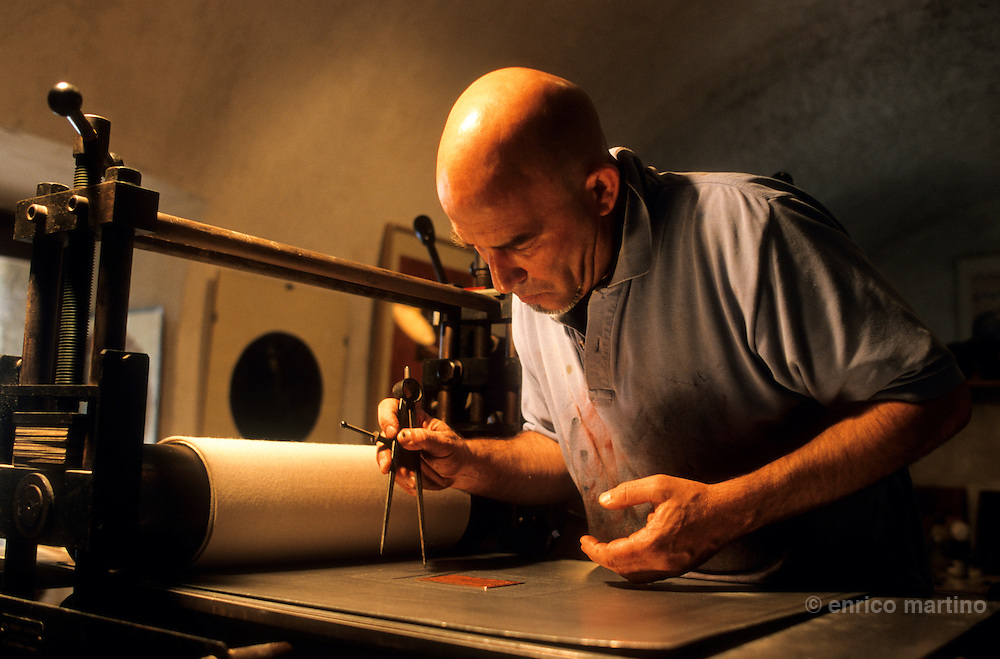 Pigna. The  workshop of engraver Hervé Quilichini.