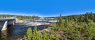 VILDMARKSVÄGEN JULI 2020<br /> PAnoramabild över Trappstegsforsen tagen från parkeringen i direkt anslutning till forsen. Till vänster vägen till Saxnäs ca 5 km längre fram.<br /> Foto: Per Danielsson/Projekt.P