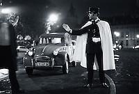 Gendarme, Champs Elysees