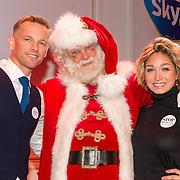 NLD/Hilversum/20151207- Sky Radio's Christmas Tree for Charity, Barry Atsma met Do en de kerstman