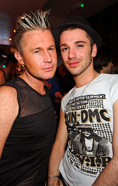 London, United Kingdom - 24 May 2008.Customers enjoy Saturday night at gay Ku Bar, Soho, London, UK..(photo by: EDWARD HIRST / EQUINOXFEATURES.COM)..Picture Data:.Photographer: EDWARD HIRST.Copyright: ©2008 Equinox Licensing Ltd. +448700 780000.Contact: Equinox News Pictures Ltd..Date Taken: 20080524.Time Taken: 230105+0000.www.newspics.com