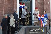Prinses Beatrix opent het  Roosevelt Informatiecentrum