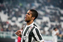 October 25, 2017 - Turin, Piemonte/Torino, Italy - Douglas Costa (Juventus FC) during theSerie A: Juventus FC vs S.P.A.L. 2013 at Allianz Stadium. Juventus wins 4-1. Turin, Italy 25th october 2017 (Credit Image: © Alberto Gandolfo/Pacific Press via ZUMA Wire)