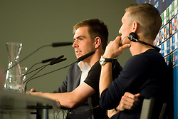 14.05.2013, Allianz Arena, Muenchen, GER, UEFA CL, FC Bayern Muenchen, Medientag, im Bild Philipp LAHM (FC Bayern Muenchen) und Bastian SCHWEINSTEIGER (FC Bayern Muenchen) // during the open media day of FC Bayern Munich in front of the UEFA Champions League Final 2013 held at the Alianz Arena, Munich, Germany on 2013/05/14. EXPA Pictures © 2013, PhotoCredit: EXPA/ Eibner/ Wolfgang Stuetzle..***** ATTENTION - OUT OF GER *****