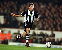 Fotball<br /> England<br /> Foto: Colorsport/Digitalsport<br /> NORWAY ONLY<br /> <br /> Laurent Robert (Newcastle) Arsenal v Newcastle United. 18/12/2001.