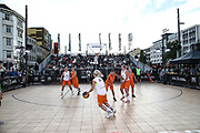 Basketball: ING-DiBa German Championship 3x3, Deutsche Meisterschaft, Damen, Hamburg, 05.08.2017<br /> Spielszene<br /> (c) Torsten Helmke<br /> -------------------<br /> Von der Strasse zu Olympia: Seit Juni 2017 steht fest, das die Spielform 3x3 Olympisch wird. Premiere werden die Olympischen Spiele 2020 in Tokyo sein.