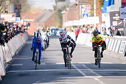 Floortje mackaij edges out Lauren Kitchen in the sprint for second place. Soraya Paladin has to settle for fourth place at Le Samyn des Dames 2018 - a 103 km road race on February 27, 2018, from Quaregnon to Dour, Belgium. (Photo by Sean Robinson/Velofocus.com)