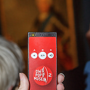 NLD/Amsterdam/20160128 - opening DWDD Pop Up Museum 2016, DWDD podcather