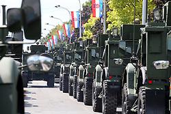 01.08.2015, Zagreb, CRO, Generalprobe zur Militärparade in Zagreb, Anlässlich des 20. Jahrestages des Militäroperation Sturm, im Bild Übersicht auf die Parada // during Rehearsal of Ceremonial military parade on the occasion of the 20th anniversary of the military operation Storm. Zagreb, Croatia on 2015/08/01. EXPA Pictures © 2015, PhotoCredit: EXPA/ Pixsell/ Jurica Galoic<br /> <br /> *****ATTENTION - for AUT, SLO, SUI, SWE, ITA, FRA only*****