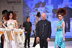 Ivaldo Lima durante o Show Celebration, na HAIR BRASIL 2011 - 10 ª Feira Internacional de Beleza, Cabelos e Estética, que acontece de 02 a 05 de abril no Expocenter Norte, em São Paulo. FOTO: Jefferson Bernardes/Preview.com