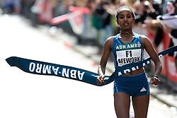 13-04-2014 NED: Marathon van Rotterdam<br /> De Ethiopische Abebech Afework komt als eerste vrouw over de finish van de marathon van Rotterdam