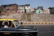 Bostäder i ett slumområde, Bombay (Mumbai), Indien<br /> COPYRIGHT 2008 CHRISTINA SJÖGREN<br /> ALL RIGHTS RESERVED