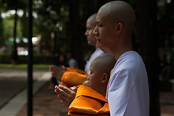October 21, 2016 - Bangkok, Thailand - A young Thai boy mourners are ordained as monks and novices to honor the late Thai King Bhumibol Adulyadej at Rama 9 Temple in Bangkok, Thailand, on October 21, 2016. (Credit Image: © Anusak Laowilas/NurPhoto via ZUMA Press)