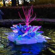L'annuale edizione del festival delle luci a Canary Wharf, una mostra all'aperto di installazioni luminose. 'Isole Galleggianti' di Murude Mehmet <br /> <br /> The yearly edition of the lights festival in Canary Wharf, an open-air exhibition of light installations. 'Floating Islands' by Murude Mehmet<br /> <br /> #6d, #photooftheday #picoftheday #bestoftheday #instadaily #instagood #follow #followme #nofilter #everydayuk #canon #buenavistaphoto #photojournalism #flaviogilardoni <br /> <br /> #london #uk #greaterlondon #londoncity #centrallondon #cityoflondon #londonuk #visitlondon<br /> <br /> #photo #photography #photooftheday #photos #photographer #photograph #photoofday #streetphoto #photonews #amazingphoto #dailyphoto #funnyphoto #goodphoto #myphoto #photoftheday #photogalleries #photojournalist #photolibrary #photoreportage #pressphoto #stockphoto #todaysphoto #urbanphoto