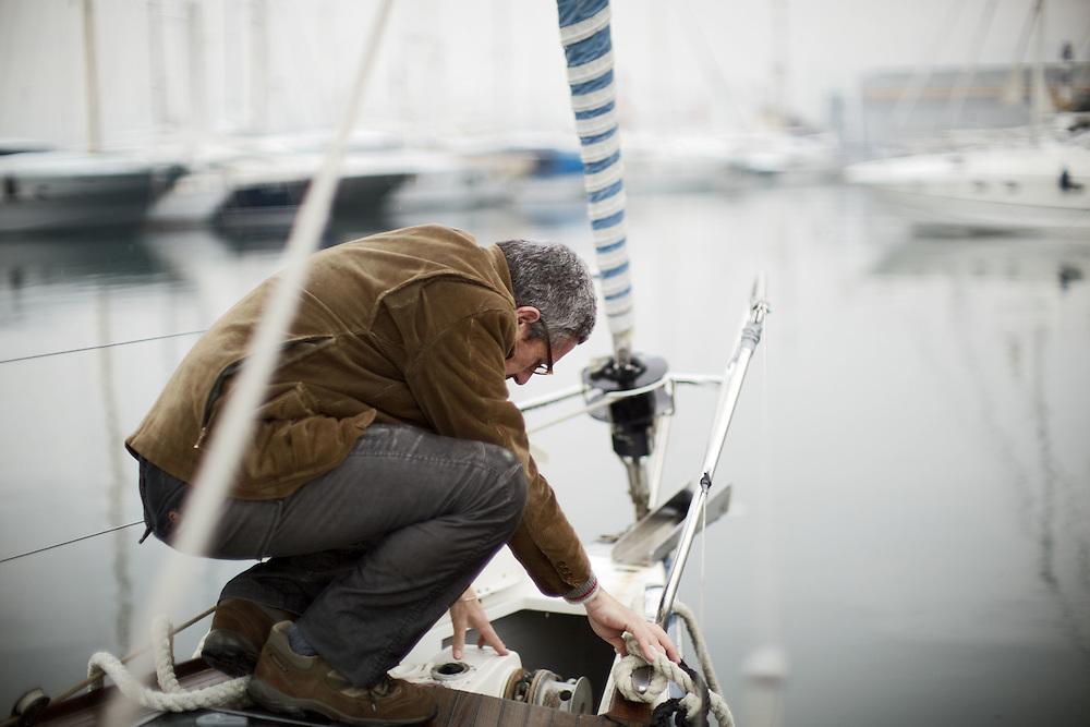 """13 FEB 2010 - La Spezia - Simone Perotti, scrittore, autore di """"Adesso Basta"""", sulla sua barca :-: Italian writer and skipper Simone Perotti on his boat"""