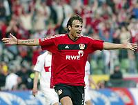 Dimitar BERBATOV Jubel nach dem 1:0<br /> Bayer 04 Leverkusen - VfB Stuttgart 2:0