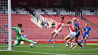 Football - 2021 / 2022 Women's Super League - Arsenal vs Chelsea - Emirates Stadium - Sunday 5th September 2021<br /> <br /> Chelsea FC Women's Erin Cuthbert (r) scores the equalising goal.<br /> <br /> COLORSPORT/Ashley Western