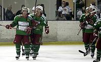 Ishockey<br /> GET-Ligaen<br /> 14.02.08<br /> Askerhallen<br /> Frisk Asker Tigers - Vålerenga VIF<br /> Chris Abbott og Anders Lusth jubler for seier<br /> Foto - Kasper Wikestad