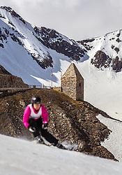 12.05.2018, Grossglockner Hochalpenstrasse, Fusch a.d. Glocknerstrasse, AUT, Großglockner Trophy Fuschertörllauf, im Bild die Silhouette eines Skifahrer und das Fuschertörl // the silhouette of a skier and the Fuschertörl during the Großglockner Trophy Fuschertörl Skirace at the Grossglockner Hochalpenstrasse, Fusch a.d. Glocknerstrasse, Austria on 2018/05/03. EXPA Pictures © 2018, PhotoCredit: EXPA/ JFK