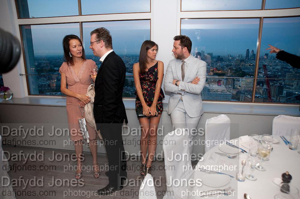 ALMINE RUIZ-PICASSO;  DASHA ZHUKOVA;  DEREK BLASBERG, Dinner hosted by Julia Peyton-Jones and Hans Obrist for the Council of the Serpentine to celebrate: Jeff Koons, Popeye Series. Paramount Club, Paramount Centre Point. London. 30 June 2009