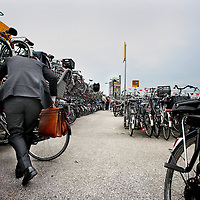 Nederland, Amsterdam , 26 mei 2014.<br /> Vlonder Fietsenstalling aan de achterkant van het Centraal Staion.<br /> Foto:Jean-Pierre Jans