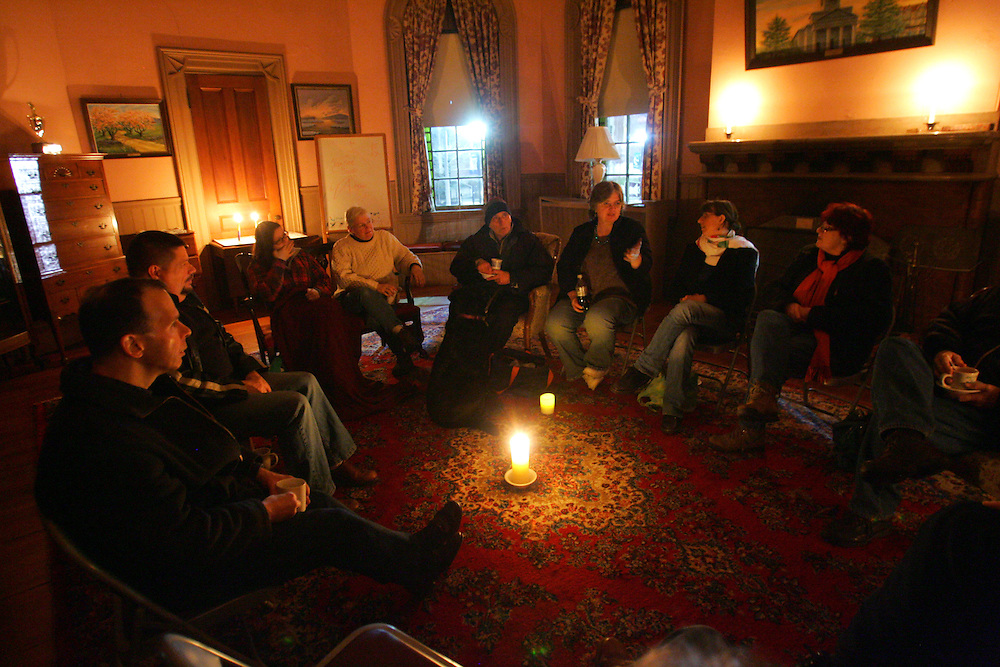 Quincy, MA 03/27/2010.Members of the United First Parish Church gather to observe Earth Hour at 8:30 on Saturday evening..Alex Jones / The Patriot Ledger