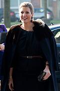 Koningin Maxima bezoekt het hoofdkantoor van de Rabobank voor het jubileumsymposium van Qredits. De landelijke microfinancierings organisatie bestaat 5 jaar. <br /> <br /> Queen Maxima visits the headquarters of Rabobank for the jubilee symposium Qredits. The rural microfinance organization is five years.<br /> <br /> Op de foto/On the photo:  Aankomst Koningin Maxima / Arrival Queen Maxima