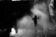 France. paris. 4th district. Quai des Celestins.  atomizer  on right bank quays. Urban beach on the Seine river quays  / brumisateur de rue  au coucher du soleil , au bord des quais de la rive droite. Plage urbaine sur les quais de Seine