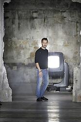 Anthony Vaccarello bei der Saint Laurent Modenschau w‰hrend der Paris Fashion Week / 270916<br /> <br /> ***Saint Laurent fashion show as part of Paris Fashion Week on september 27, 2016 in Paris***