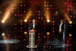 21-12-2016 NED: Sportgala NOC * NSF 2016, Amsterdam<br /> In de Amsterdamse RAI vindt het traditionele NOC NSF Sportgala weer plaats / Vincent Wevers (turnen)  'Coach van het Jaar 2016'